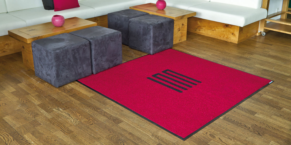 Jet-Print - custom, red mat with printed, black INN logo